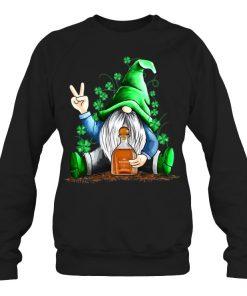 Gnomie hug Patrón St Patrick's Day Sweatshirt