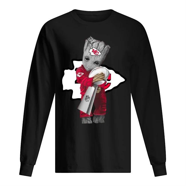 Baby Groot Hug Kansas City Chiefs Super Bowl 2020 long sleeved