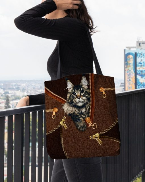 Maine Coon Cat as Leather Zipper tote bag2