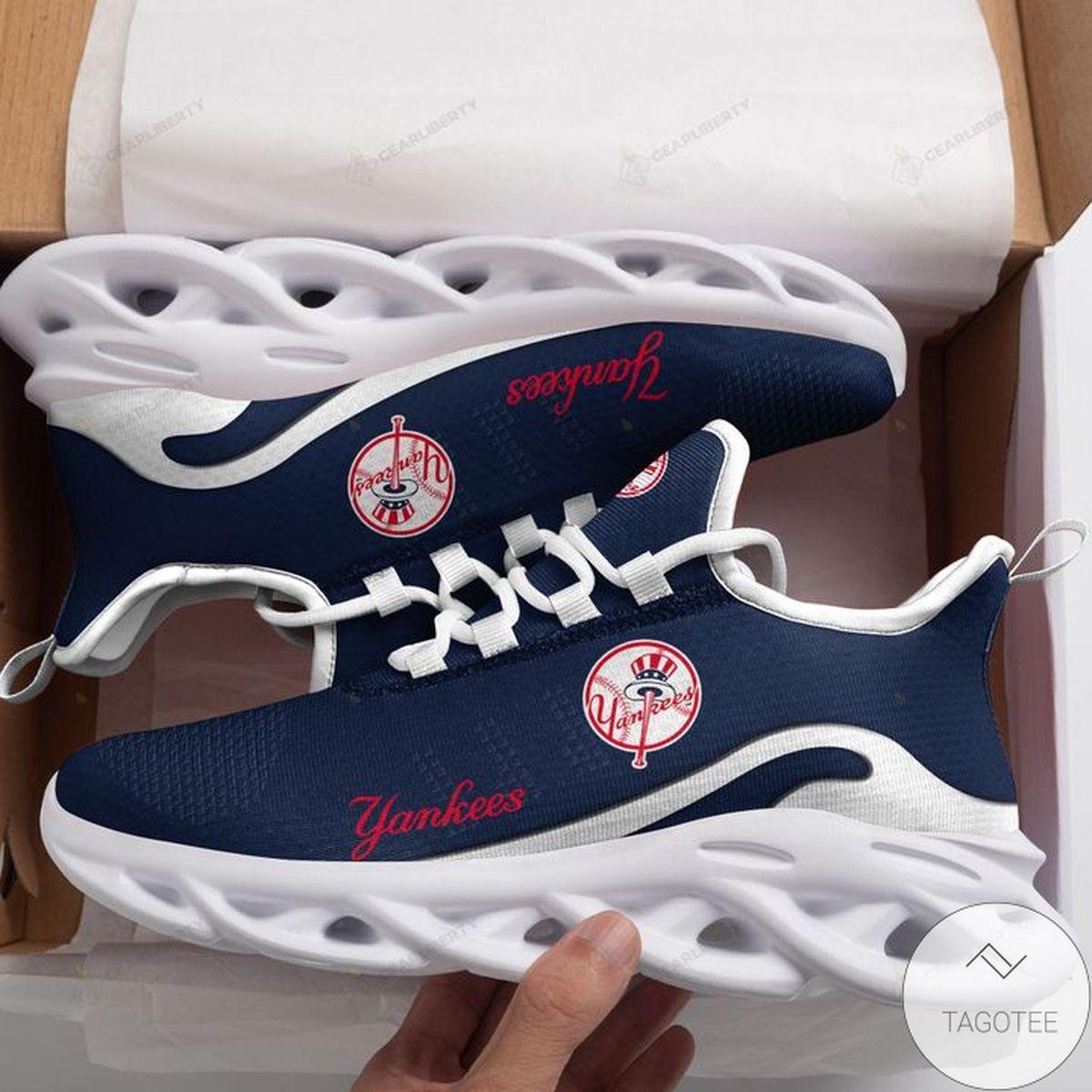 MLB New York Yankees Max Soul Shoes