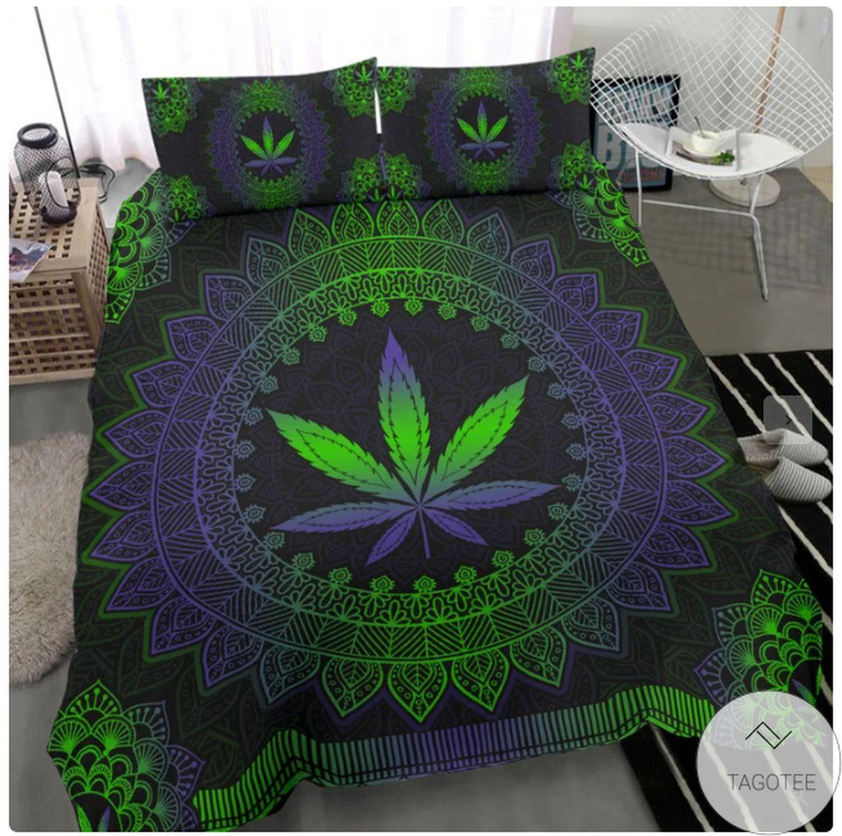 Mandala Leaf Weed Bedding Set