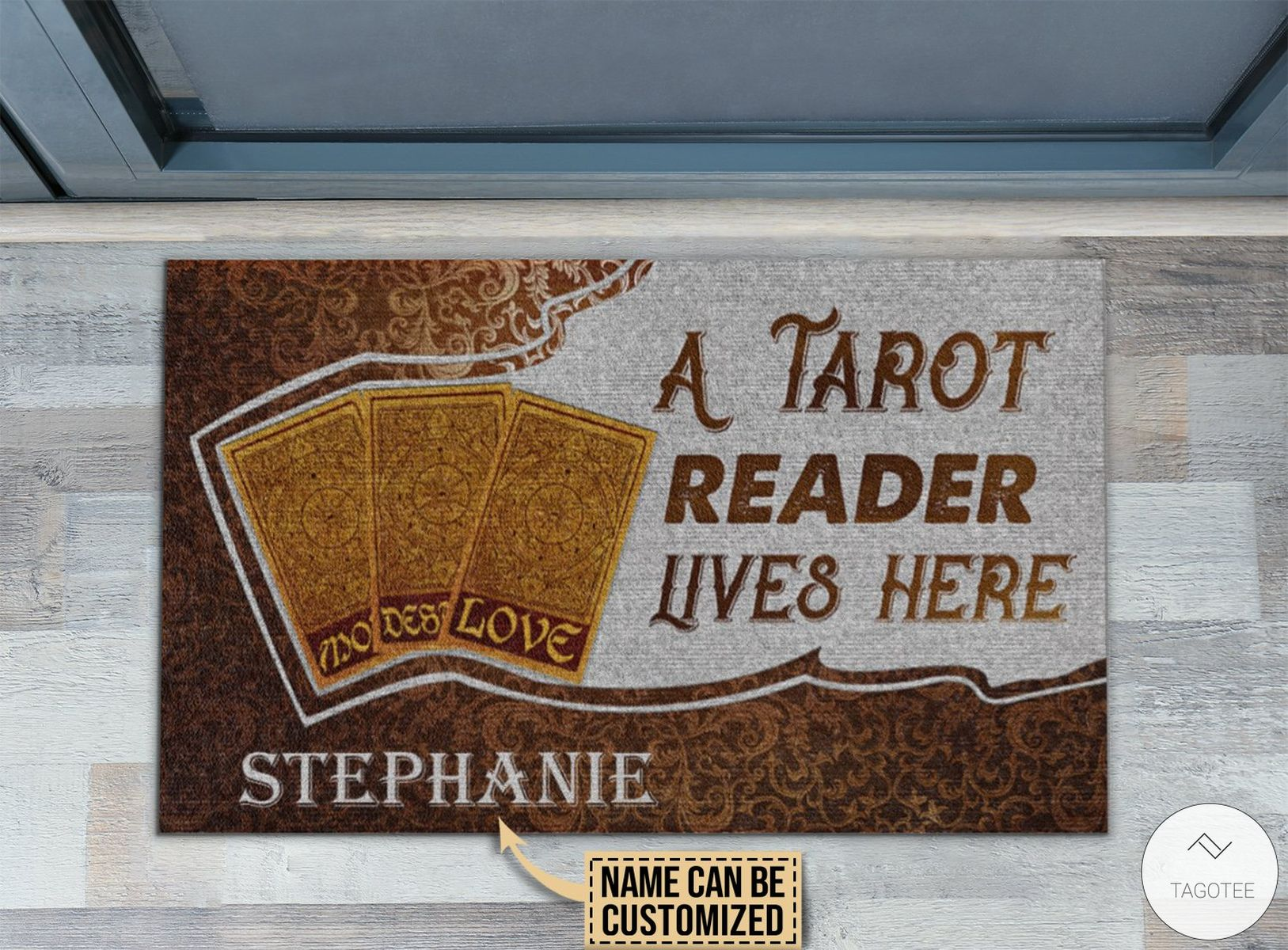 Personalized A Tarot Reader Lives Here Doormat z