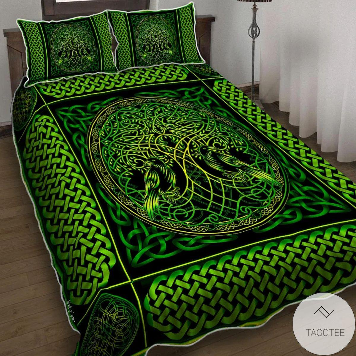 Yggdrasil Symbol With Raven Green Quilt Bedding Set