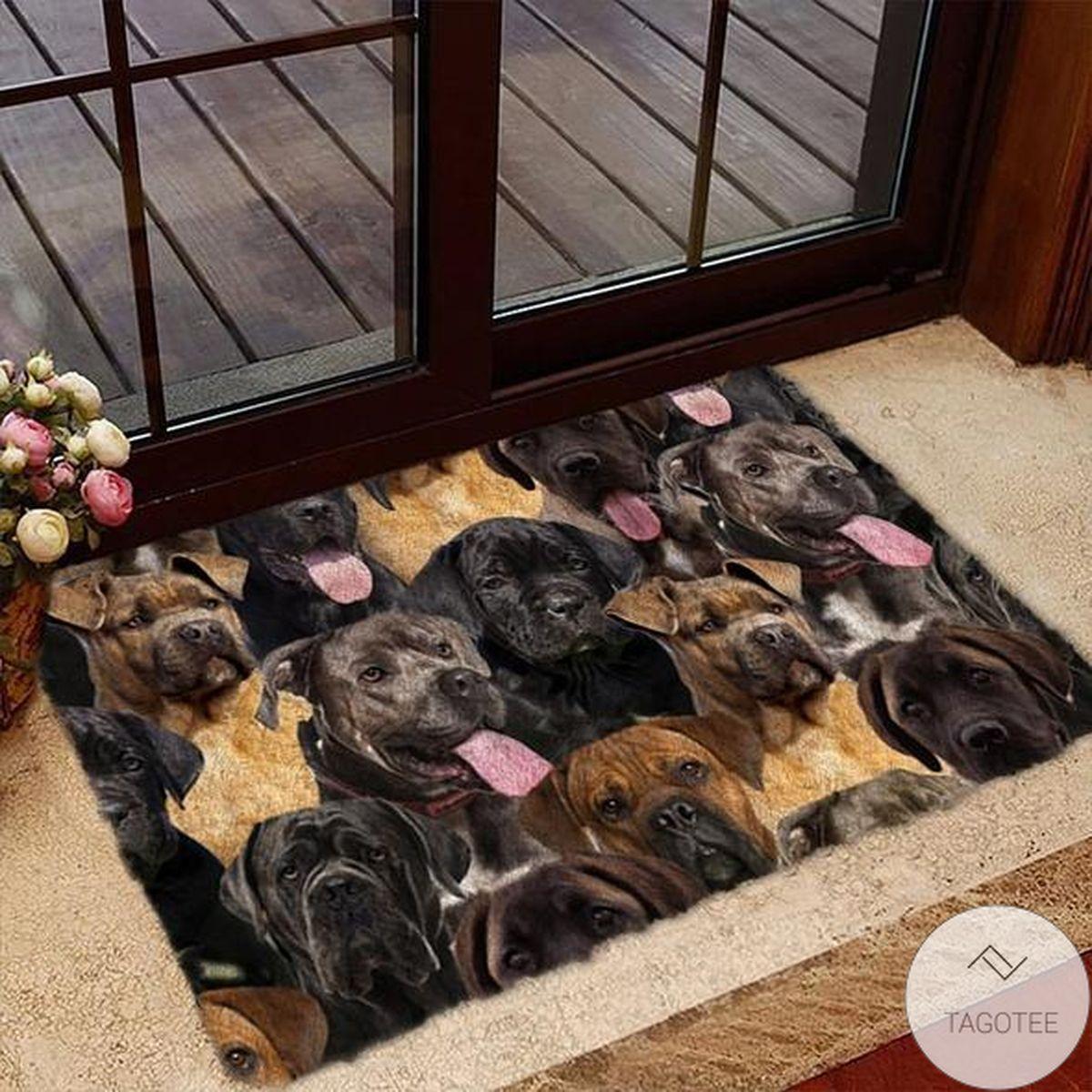 Top A Bunch Of Cane Corsos Doormat